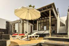 Apartamento en Las Caletas - Apartamento de 1 dormitorios a170 mde la playa