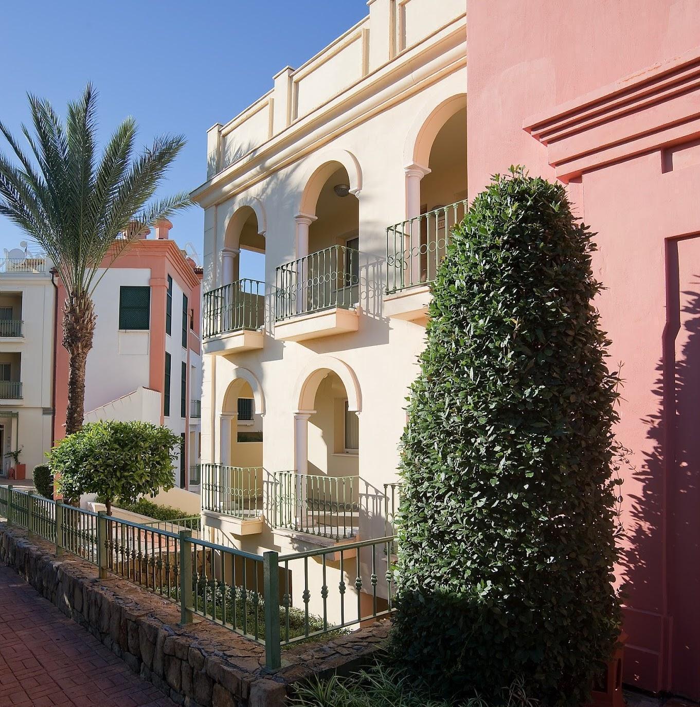 Hotel pierre vacances holiday village terrazas costa del for Hotel barato puerta del sol