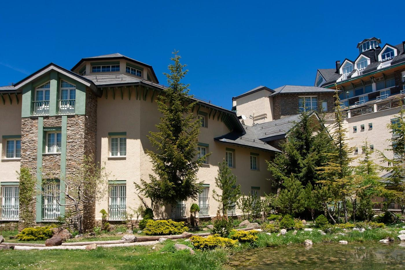 Hotel trevenque en sierra nevada viajes carrefour - Apartamentos baratos en sierra nevada ...