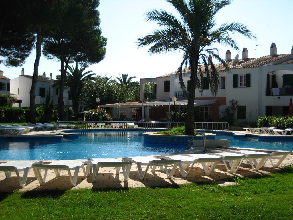 Hotel apartamentos las brisas playa park en cala 39 n bosch menorca viajes carrefour - Apartamentos playa baratos vacaciones ...