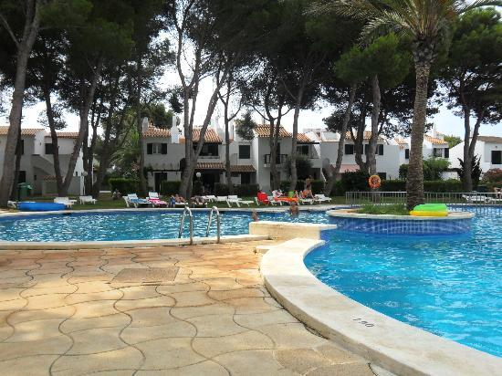 Hotel apartamentos las brisas playa park en cala 39 n bosch - Apartamentos baratos playa vacaciones ...