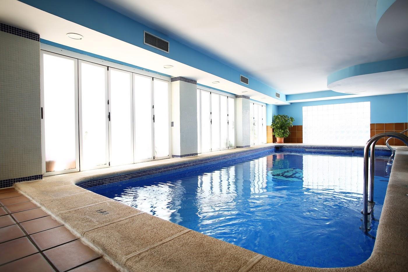 Hotel hotel apartamentos tres anclas en gand a viajes carrefour - Tarifa apartamentos baratos ...