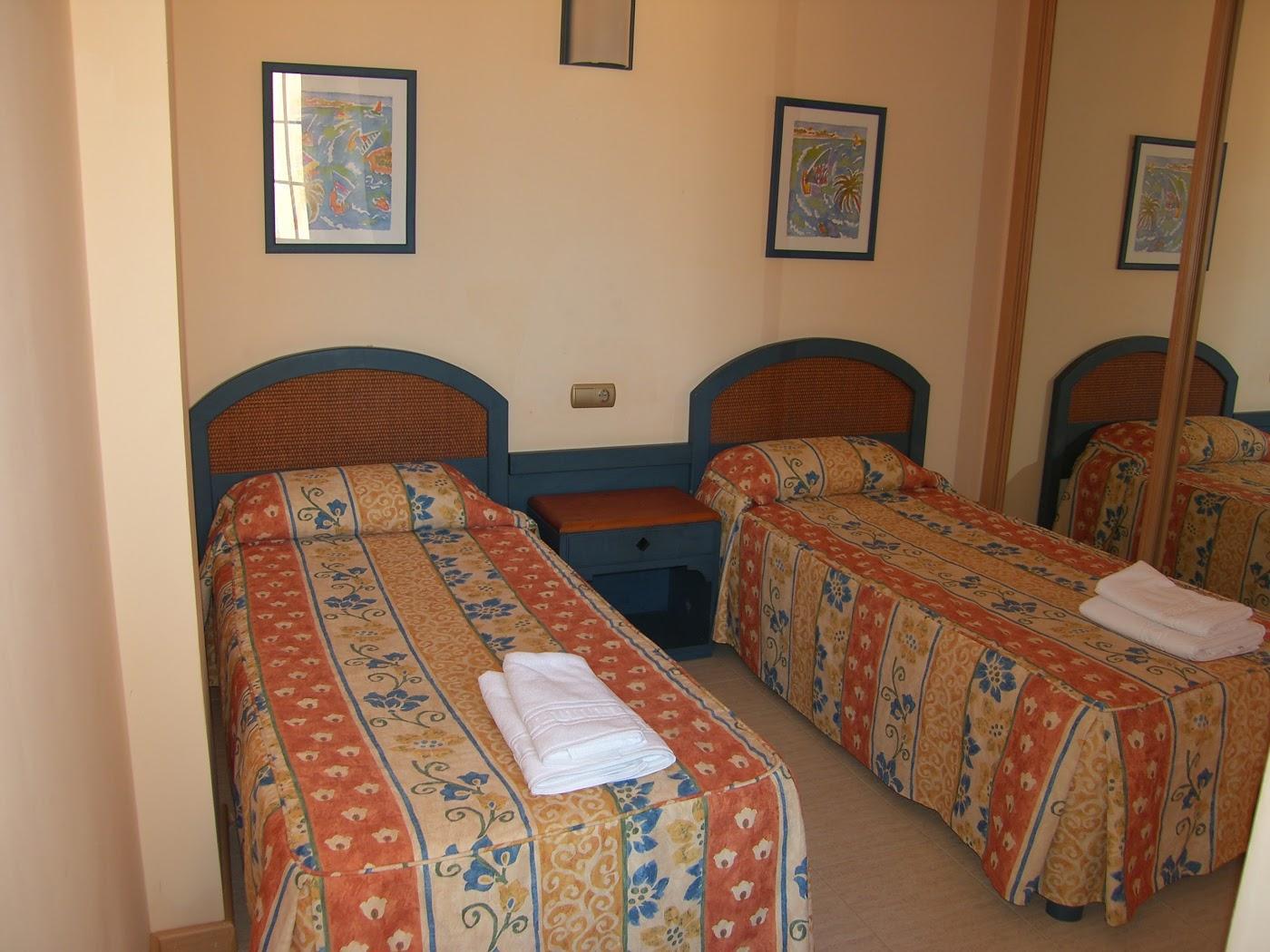 Hotel suite hotel puerto marina en moj car viajes - Hotel puerto marina mojacar ...