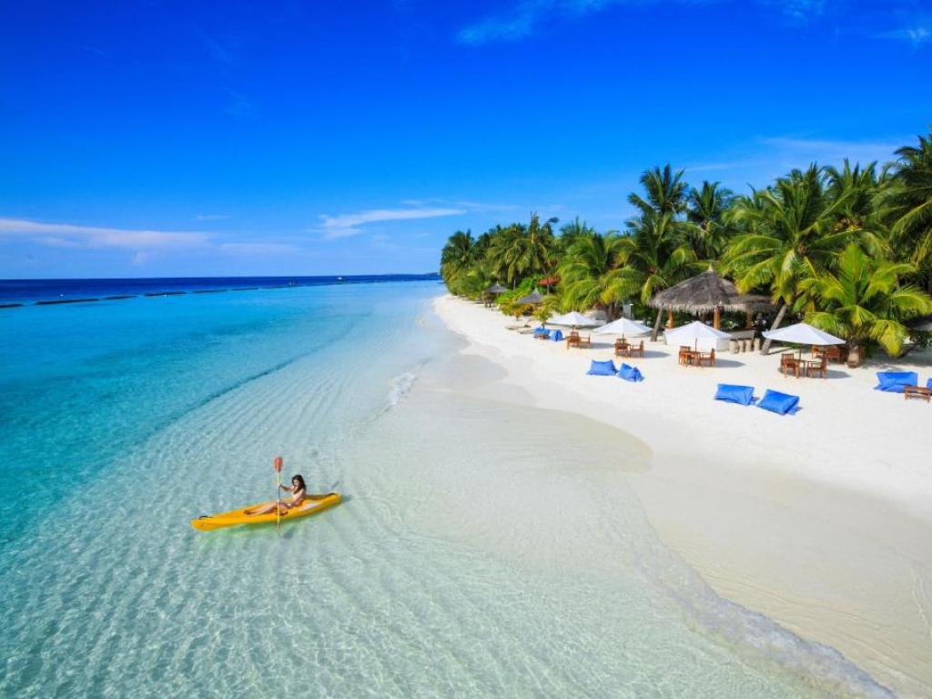 Hotel Kurumba Maldives 5*